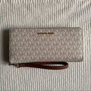 Michael Kors Jet Set Monogram Wallet/Wristlet